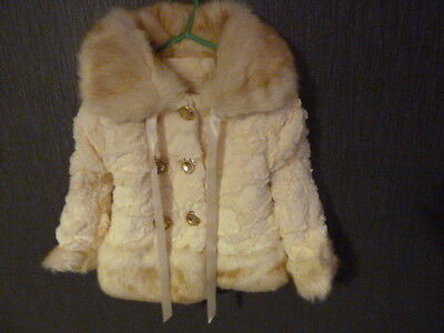 Fabulous, cosy cream faux fur coat age 2 - 3 years. Gorgeous Christmas gift. New