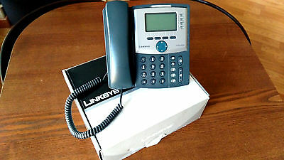 Linksys Cisco SPA-942 unlocked VoIP Phone 4 lines PoE Stand with 2 port switch