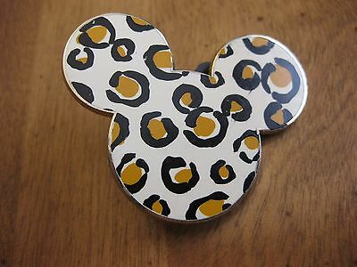 Rare  Mickey Mouse Head Symbol  Disney Official Pin Trading 2007 Pin Back