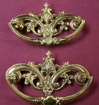 2 ANTIQUE CAST BRIGHT BRASS VICTORIAN DRAWER PULLS  rw