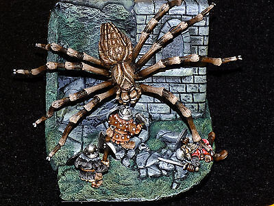 GIANT SPIDER 28-30mm metal figure/diorama.  Painted.