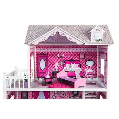 Isabelle's Doll House