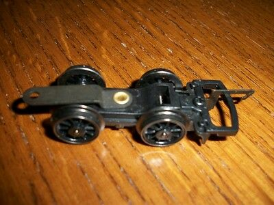 Hornby X 3379 B17 Footballer  Front Bogie/coupler China New P23