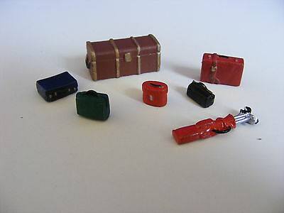 7 Pieces of Luggage - 1:43/O Gauge Painted Metal Model