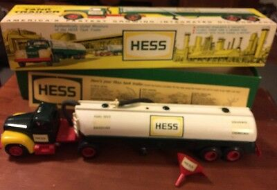 1964 Hess Tanker Truck With Box, all lights work, rare,vintage,antique,Marx Toys