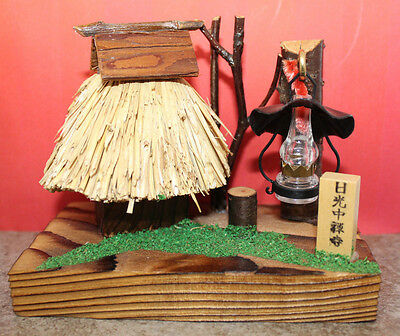 Nikko Chuzenji Temple Tochigi Wooden Straw House Lamp Figure Souvenir Vintage