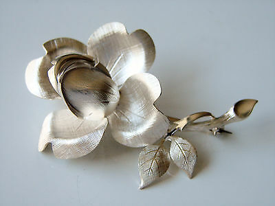 Excellent London Hallmarked 1972 Solid  Sterling Silver Rose Brooch