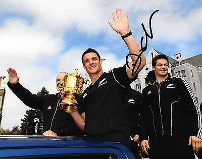 dan carter new zealand with world cup trophy signed 10x8 photo