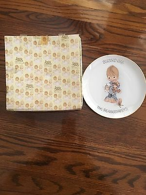 """Precious Moments Plate 7"""" Blessed are the Peacemakers Boy with Puppy and Kitty"""