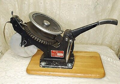 """Working Roovers Tapewriter T-10A Metal Tape Embossing 1/4"""" Characters 1/2"""" Tape"""