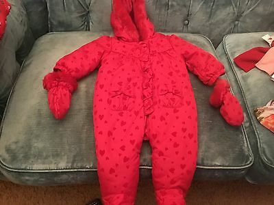 MATALAN 6-9months red heart PRINT LINED SNOW suite HOOD feet mits new