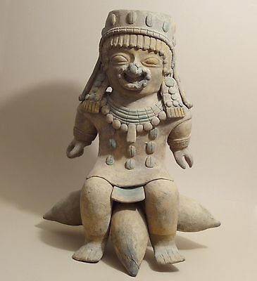 Ancient Pre-Columbian Jamacoaque Jama-Coaque Seated Lord Priest Pottery Statue