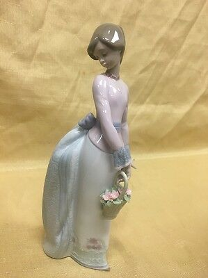 Lladro Basket of Love Figurine Gloss Finish 7622 Collector's Society 1994