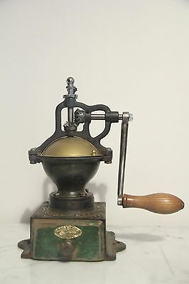 Excelent Antique coffee grinder Peugeot A00. Molinillo cafe. moulin a cafe.