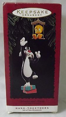 1995 Hallmark Retired Sylvester and Tweety Hang Together Ornament Set in Box