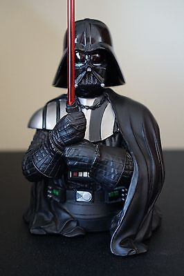 GENTLE GIANT - Star Wars Collectible Mini Bust: DARTH VADER