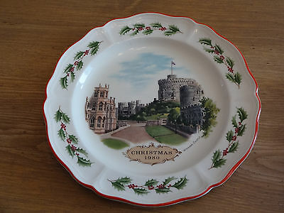 Wedgwood - 1980 Queen's Ware Christmas Plate - Windsor Castle