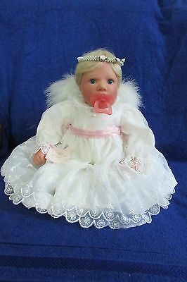 Lee Middleton Doll  Heavenly  Brand New in Box