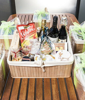 Gourmet And Entertainers Gift Hamper-6.4 Kilos!