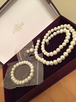"""18"""" 8mm wide Cultured Pearl Necklace, bracelet and Earring set NEW"""