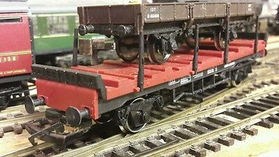 Hornby flat wagon with folding posts. Superb Brand New Condition, but no box!