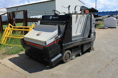 """Powered Rider """"Tiger Cat"""" Tenant Sweeper Scrubber Warehouse Street Parking Lot"""