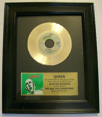 Queen WE ARE THE CHAMPIONS Gold 45 Record + Mini Album Sleeve Not a Award