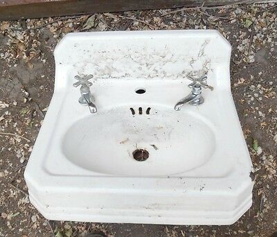 VINTAGE 1937 CAST IRON BATHROOM SINK~Faucets included