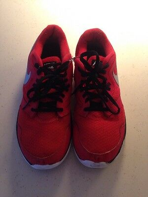 Men's Nike Trainers - Size 8
