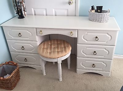 Large Off White Dressing Table With Stool And 2 Sets Of Draws