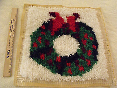 Completed Latch Hook Christmas Pillow Cover Wall Hanging Wreath About 13x13