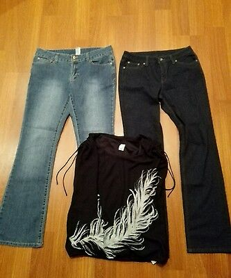 Ladies bulk lot 2 pairs of jeans and a lovely top size 12 to 14