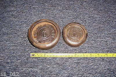 Vintage William Cross & Son 4lb & 2lb round metal weights both used see details