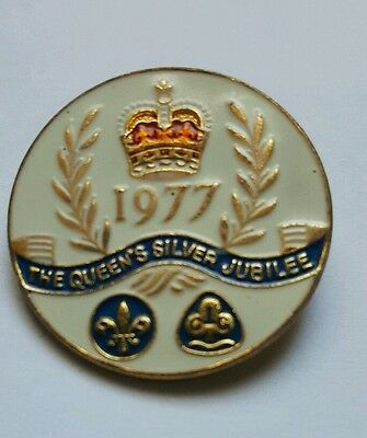 badge 1977 Queens silver  jubilee girl guide  and boy  scout  badge