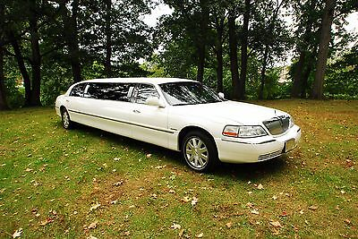 2003 Lincoln Town Car  Lincoln Town Car Limousine