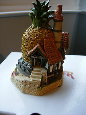 David Winter Cottages The Pineapple Pit 2002 Mint Boxed COA