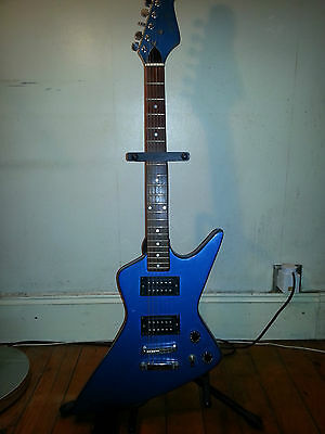 RARE Dixon Explorer 1980s electric guitar. Japanese made.