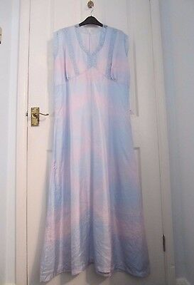 Vintage Nightgown / Nightdress. 1950s / 1960s. Long. 16-18. Lace Details. Blue