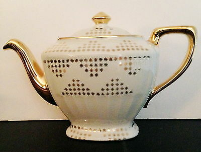 Ivory Gold Label Hollywood Teapot made by Hall China