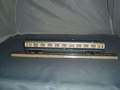 Lima HO,  1st. Class Coach of DB in Blue and White   { 18 }