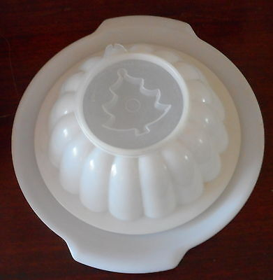 Vintage Tupperware Sheer Jel-N-Serve Jello Mold With 4 Different Holiday Seals