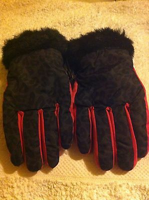 Florance And Fred Age 9-13 Thinsulate  Girls Glove  New Without Tag.