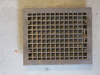 VINTAGE HOT AIR HEATING FLOOR REGISTER 12 X 15 Opening 14 X 17 Overall