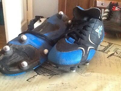 Kipsta rugby boots size 5.