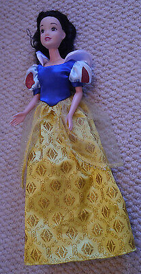Snow White doll, Barbie sized with clothes and shoes
