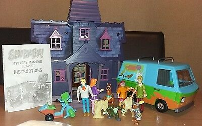 Scooby doo Mystery Mansion, Mystery machine and 9 figures