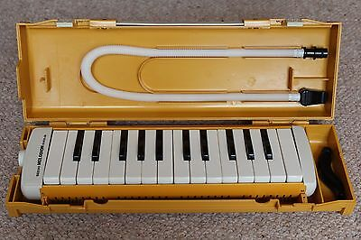 Suzuki Melodion School 26. Keyboard Complete with Mouth Pieces & Case