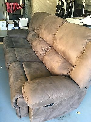 Lounge Suite with 4 recliners