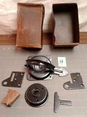 VTG Sliding Barn Door Hardware Latch Steel Garretsville OH STARLINE NOS