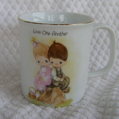 PRECIOUS MOMENTS CUP/MUG LOVE ONE ANOTHER 1984 Jonathan & David CUTE!